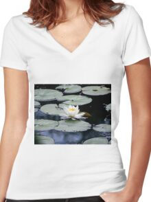 White Water Lilly Women's Fitted V-Neck T-Shirt