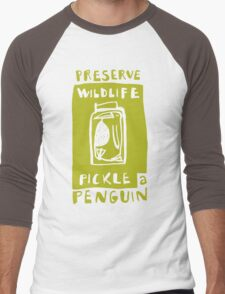 Pickle a Penguin Men's Baseball ¾ T-Shirt