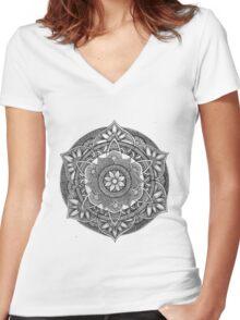 Henna Doodle Mandala Women's Fitted V-Neck T-Shirt