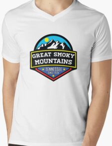 GATLINBURG TENNESSEE GREAT SMOKY MOUNTAINS NATIONAL PARK SMOKIES 4 Mens V-Neck T-Shirt