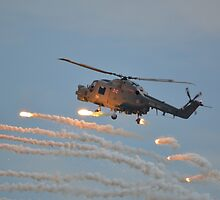 Lynx HMA8 popping Flares by mike  jordan.