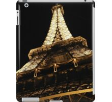 Under the Iron Lady-copyright Tour Eiffel-illustrated by theSmileEffect iPad Case/Skin