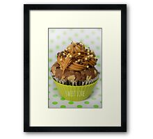 Sweet green love cupcake Framed Print