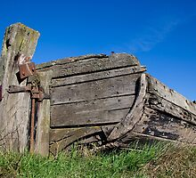 One of the old boats at Purton, Stroud, Gloucestershire by Jeff  Wilson