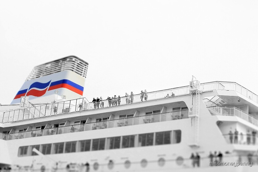 Set to sail by missmoneypenny