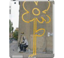 Banksy Yellow Lines Flower Painter iPad Case/Skin