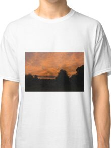 Morning dawn in the country Classic T-Shirt