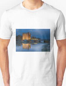 bunratty castle at night Unisex T-Shirt