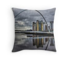 Gateshead Millennium Bridge Throw Pillow
