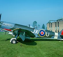 Supermarine Spitfire F.21 LA255 JX-U by Colin Smedley