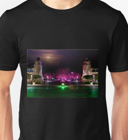Artists impression of Bond Uni by night Unisex T-Shirt