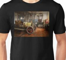 Car Mechanic - The overhaul 1915 Unisex T-Shirt