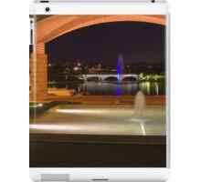 Bond University under the arch iPad Case/Skin