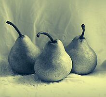 Three Pears by Evita