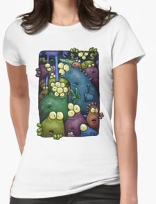 A crowd of chest dwelling aliens ... Womens Fitted T-Shirt