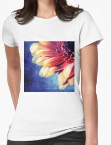 MACRO FLOWER Womens Fitted T-Shirt