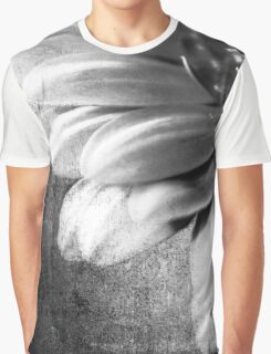 MACRO FLOWER Graphic T-Shirt