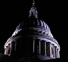 St. Paul's Cathedral by wolfguardian