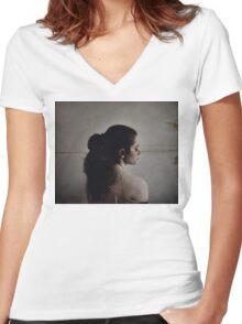 Aligned Women's Fitted V-Neck T-Shirt