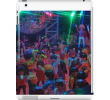 Crowd dancing pt 2 iPad Case/Skin