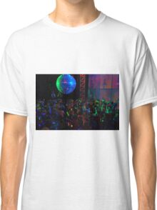 Crowd dancing Classic T-Shirt