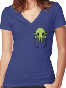 Pocket Cthulhu Women's Fitted V-Neck T-Shirt