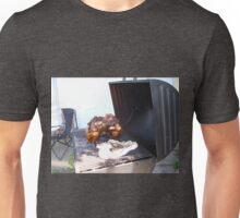 beer butt dance Unisex T-Shirt
