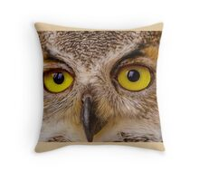 Face of Great Horned Owl Throw Pillow