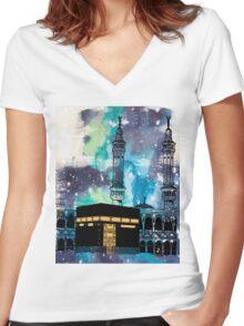 MAKKA Women's Fitted V-Neck T-Shirt