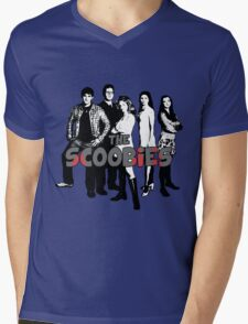 BTVS CAST (S1): The Scoobies! Mens V-Neck T-Shirt