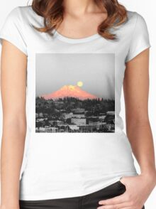 Glowing Mountain Women's Fitted Scoop T-Shirt