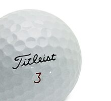 golf ball by tinncity