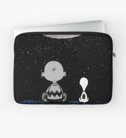 snoopy staring at the moon Laptop Sleeve