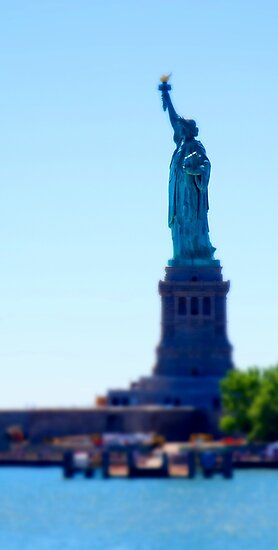 tiny liberty by tinncity