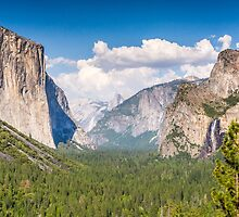 Yosemite Valley by TomGreenPhotos