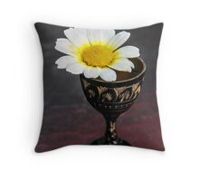 Daisy Still LIfe Throw Pillow