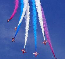 Red Arrows Break by TomGreenPhotos