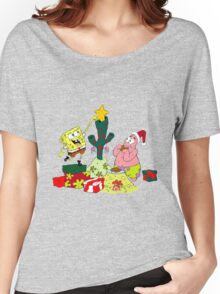 spongebob and patrick christmas Women's Relaxed Fit T-Shirt