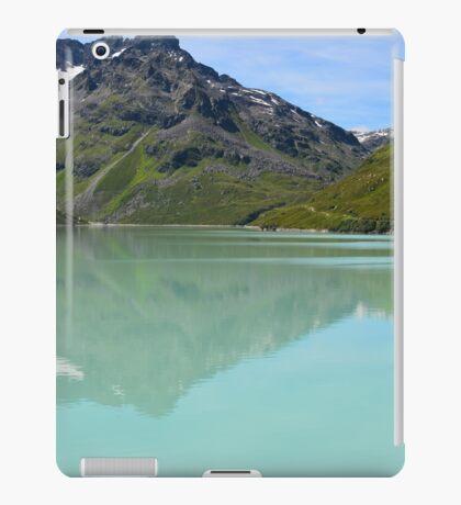 Silvrettasee Reflection  iPad Case/Skin