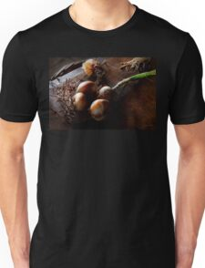 Food - Freshly pulled onions Unisex T-Shirt