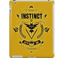 Team Instinct Trainer Lets Go iPad Case/Skin