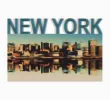 Vintage Manhattan Skyline, New York City - T-Shirt design by E ROS