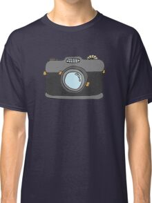 Retro Camera - Version 2 Classic T-Shirt
