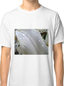 Raindrop on White Lily Classic T-Shirt