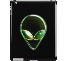 Metal Alien Head 04 iPad Case/Skin