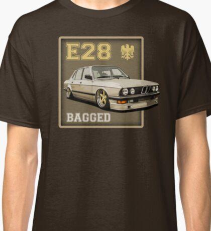 E28 stance 2 champagne Classic T-Shirt