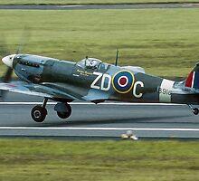 "Supermarine Spitfire Vb AB910/ZD-C G-AISU ""President Roosevelt"" by Colin Smedley"