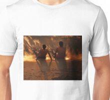 puesta del sol para dos Unisex T-Shirt