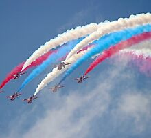 Looping Through Cloud - The Red Arrows - Farnborough 2014 by Colin J Williams Photography
