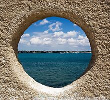 Windows to the sea by PhotoPerocsenyi